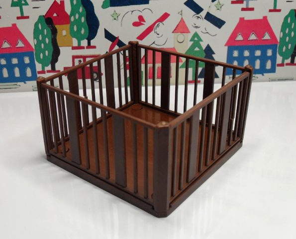 Brown Playpen 1041
