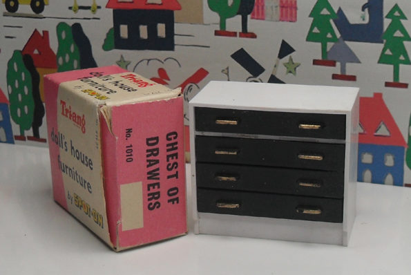 Triang Chest of Drawers with Box 1010