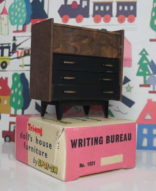 Writting Bureau with Box 1021