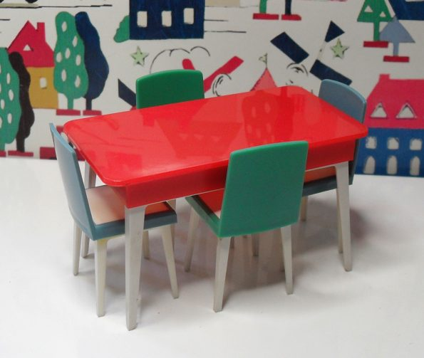 Jenny's Home Kitchen Table J2011 and Chairs J2000